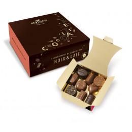 Ballotin de 18 chocolats Révillon : Assortiment de 9 recettes Noir, Lait - 180 gr